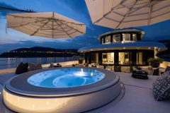 14b-master-private-jacuzzi-on-terrace-1024x765