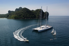 catamaran-for-charter-luxury-yacht-forzatre-8
