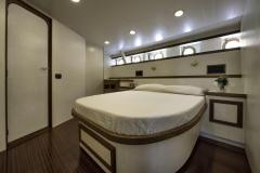 emerald-yacht-for-charter-14