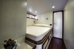 emerald-yacht-for-charter-16