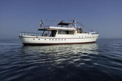 emerald-yacht-for-charter-2