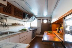 nafisa-yacht-for-charter-admiral-naples-16