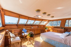 nafisa-yacht-for-charter-admiral-naples-21