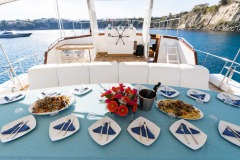nafisa-yacht-for-charter-admiral-naples-5