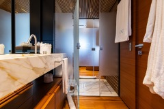 master-cabin-with-bathroom-