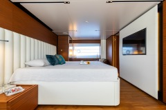 master-cabin-with-tv-