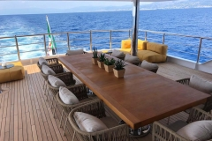 R23-yacht-charter-out-noleggio-lusso-4