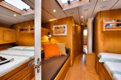 sailing-yacht-tess-for-charter-17