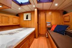 sailing-yacht-tess-for-charter-18