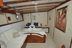 White-Swan-starboard-double-cabin-view-1