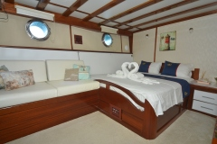 White-Swan-starboard-double-cabin-view-2