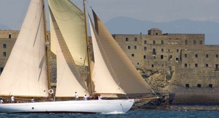Retro sailing boat for sales in italy Forzatre