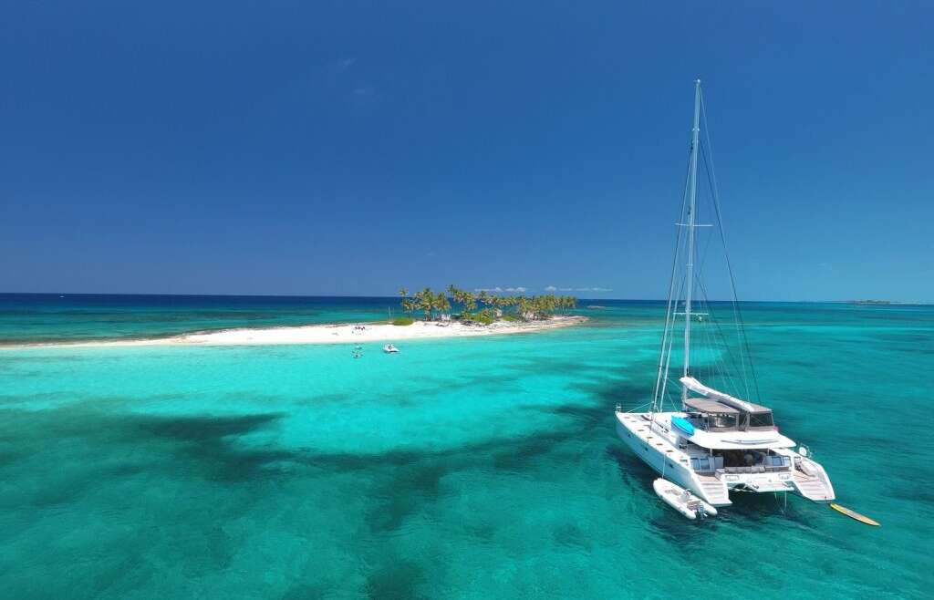 Fill all your senses with spectacular scenery: Caribbean !