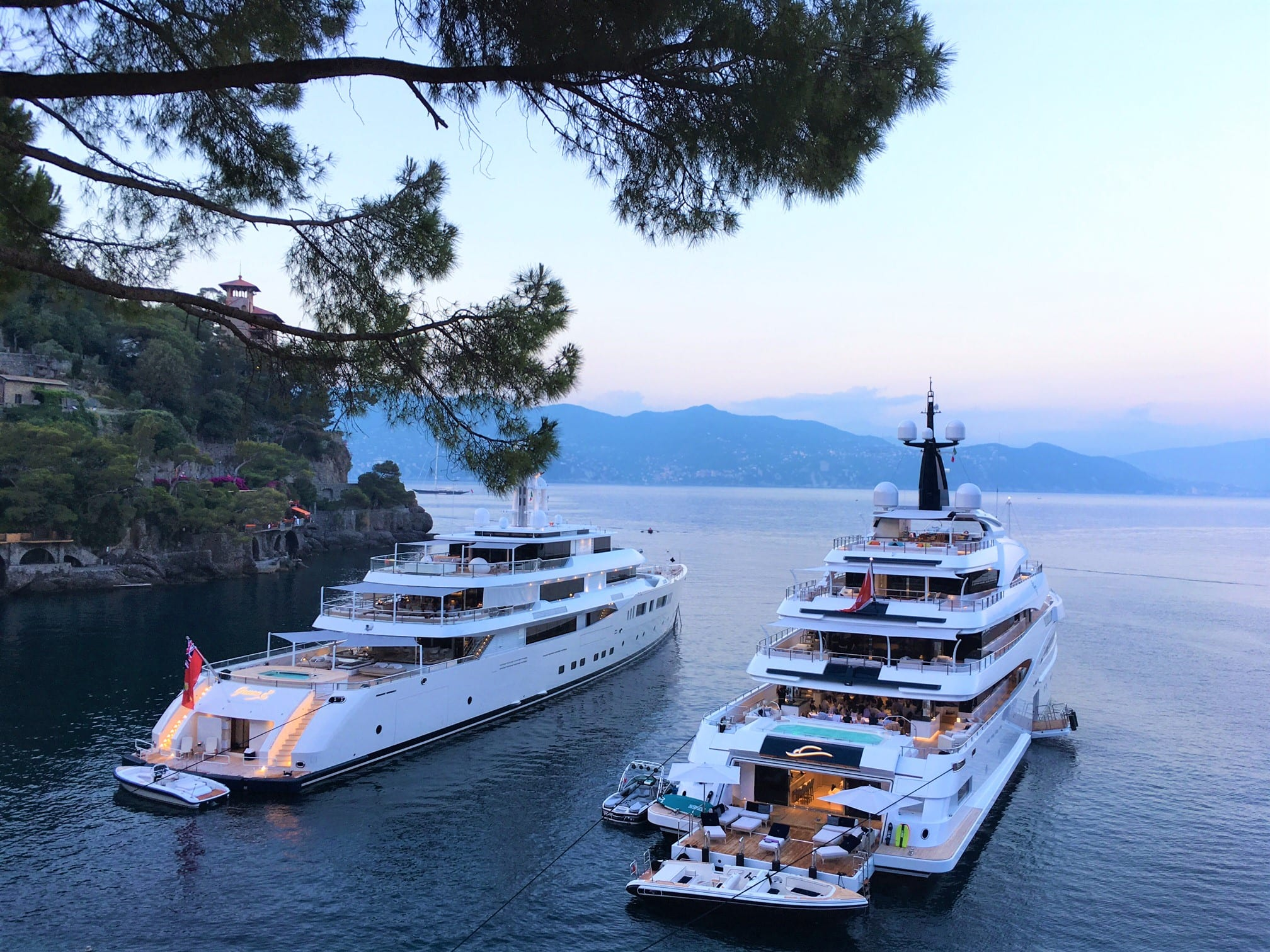 Luxury Yacht for a perfect italian vacation